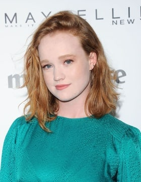 Liv Hewson Nude Photos 29
